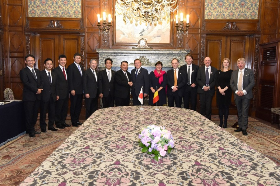 President of the Belgian House of Representatives visits Speaker Oshima : Click on the title or picture to display topic details.