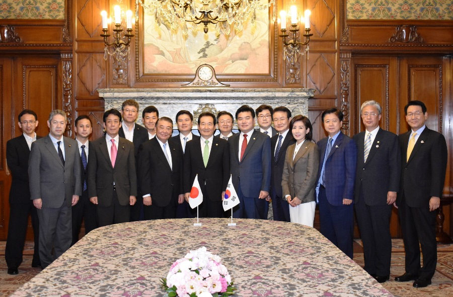 Korean Speaker visits Speaker Oshima : Click on the title or picture to display topic details.