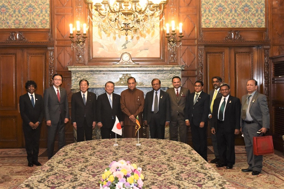 Speaker of the Sri Lankan Parliament visits Speaker Oshima: Click on the title or picture to display topic details.