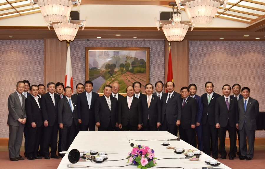 Vietnamese Prime Minister visits Speaker Oshima :Click on the picture to enlarge it.