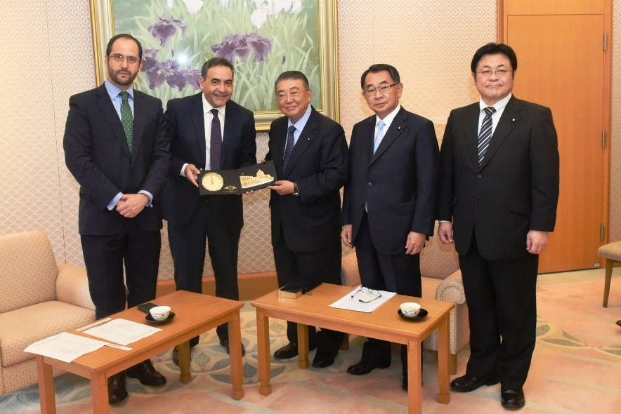 President of the Chilean Congressional Chamber of Deputies visits Speaker Oshima :Click on the picture to enlarge it.